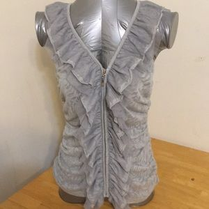 BNWT gorgeous zip up blouse